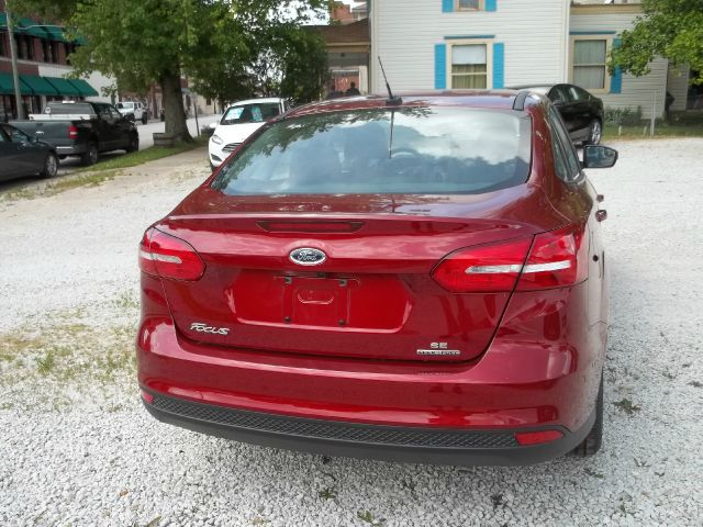 2015 Ford Focus SE 4dr Sedan - Ladoga IN