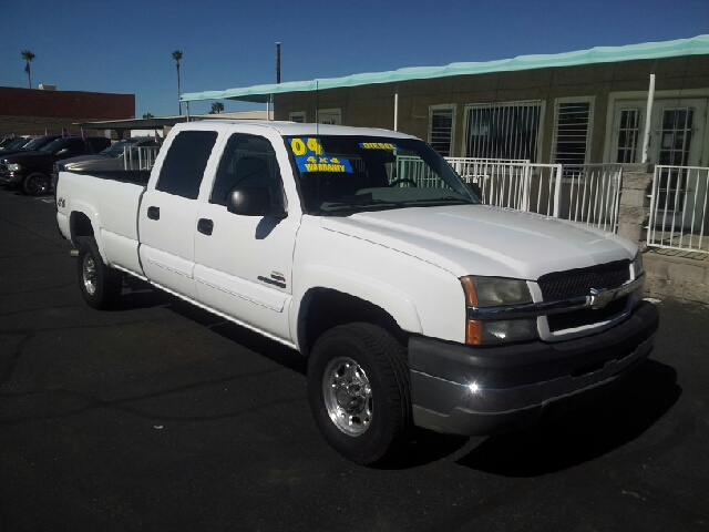 2004 CHEVROLET SILVERADO 2500HD LS 4DR CREW CAB 4WD LB white clean abs - 4-wheel anti-theft syst