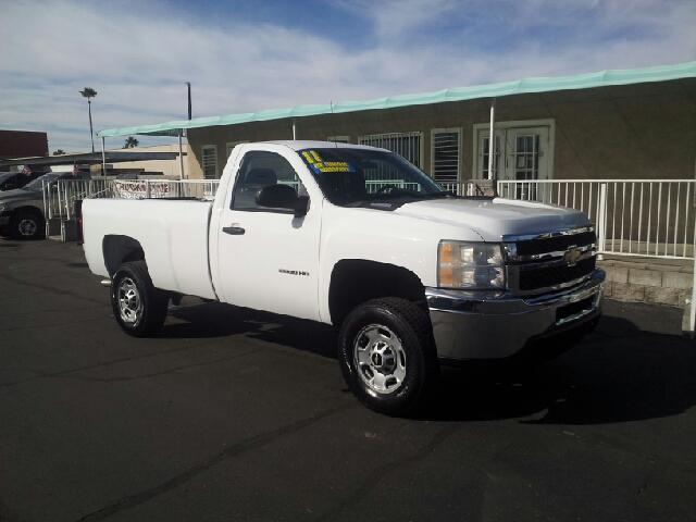 2011 CHEVROLET SILVERADO 2500HD WORK TRUCK 4X2 2DR REGULAR CAB L white clean abs - 4-wheel alter
