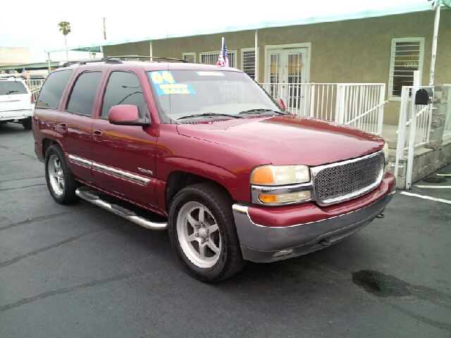 2004 GMC YUKON SLT berry red metallic clean 76133 miles VIN 1GKEC13T64J274767