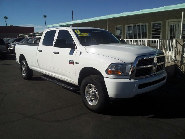 2011 RAM RAM PICKUP 2500 SLT 4X4 4DR CREW CAB 8 FT LB PI white clean 4wd type - part time abs -