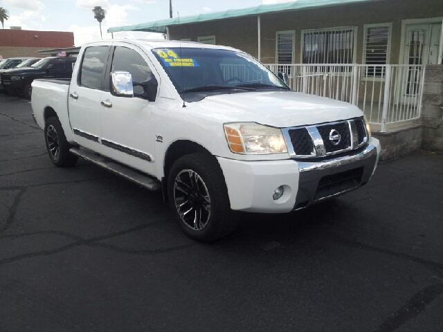 2004 NISSAN TITAN LE 4DR CREW CAB RWD SB white clean abs - 4-wheel adjustable pedals - power an