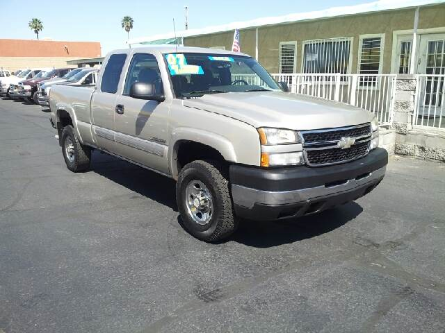 2007 CHEVROLET SILVERADO 2500HD LT1 4DR EXTENDED CAB SB silver clean 2-stage unlocking - remote