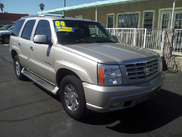 2004 CADILLAC ESCALADE BASE AWD 4DR SUV champagne clean abs - 4-wheel active suspension adjusta