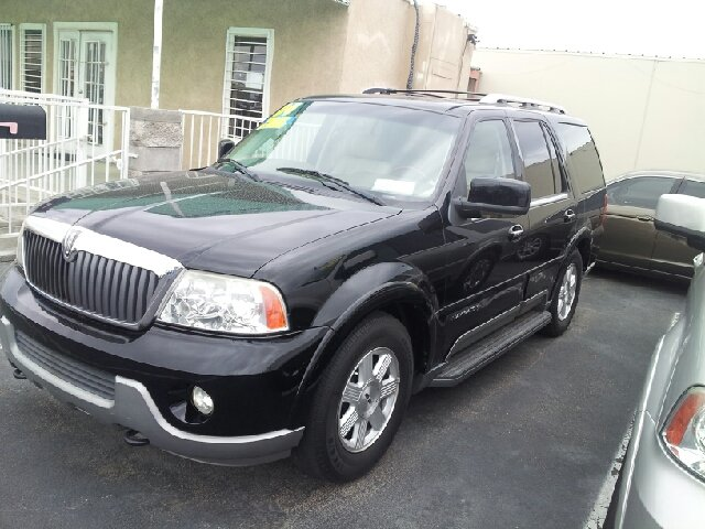 2004 LINCOLN NAVIGATOR LUXURY 2WD black very clean 122000 miles VIN 5LMFU27R74LJ08577