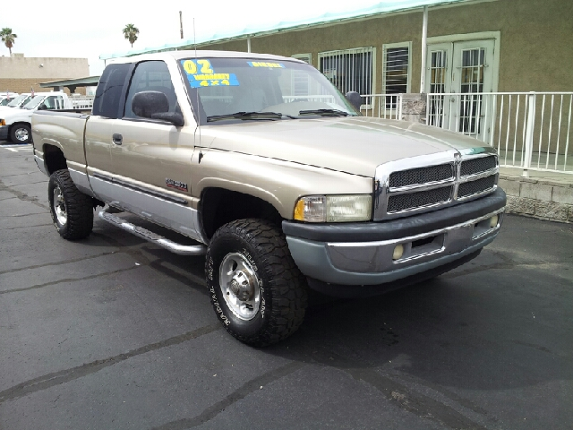2002 DODGE RAM PICKUP 2500 SLT gold clean 284000 miles VIN 3B7KF23672M256820
