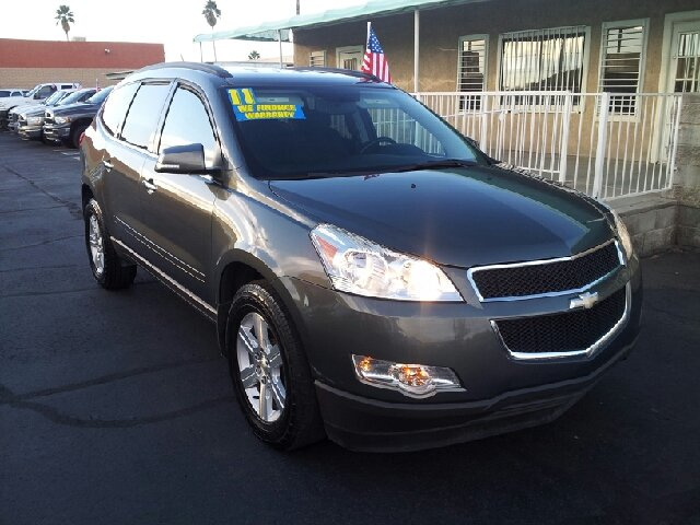 2011 CHEVROLET TRAVERSE LT gray clean 71976 miles VIN 1GNKRGED2BJ340712