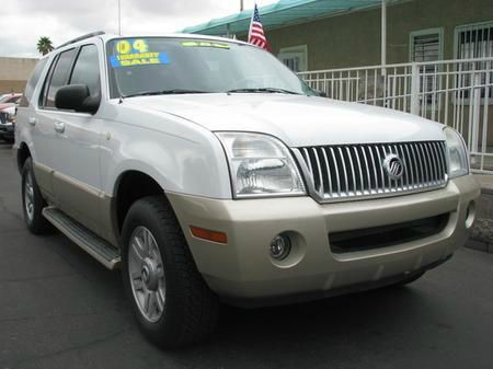 2004 MERCURY MOUNTAINEER CONVENIENCE 46L 2WD white abs brakesair conditioningalloy wheelsamfm