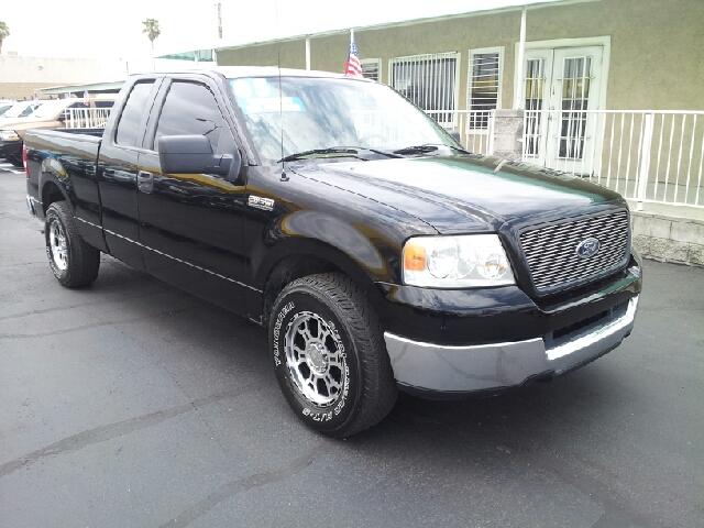 2005 FORD F-150 XLT black clean 118428 miles VIN 1FTPX12515NB19016