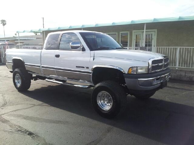 1996 DODGE RAM 2500 SLT white clean 112650 miles VIN 3B7KF23W2TM195992