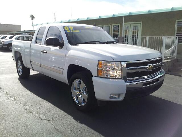 2009 CHEVROLET SILVERADO 1500 EXT CAB LS white creampuff 129850 miles VIN 1GCEC29059Z143482