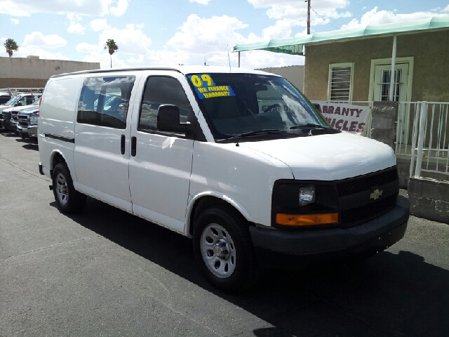 2009 CHEVROLET EXPRESS CARGO 1500 3DR CARGO whire clean 129329 miles VIN 1GCFG15X791157341