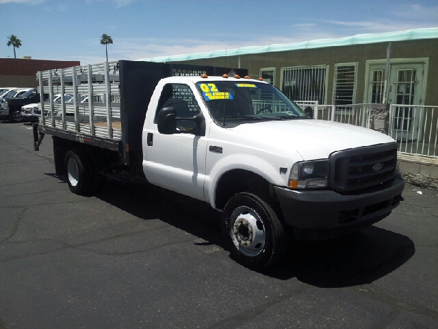2002 FORD F-450 SUPER DUTY XL white clean air conditioning amfm radio anti-lock brakes automa
