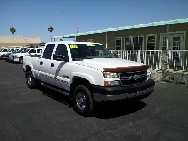 2006 CHEVROLET SILVERADO 1500 LS white clean options list4 door crew cab short box 2 wheel dri