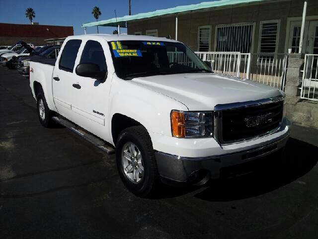 2011 GMC SIERRA 1500 SLE white clean 104047 miles VIN 3GTP2VE33BG19576