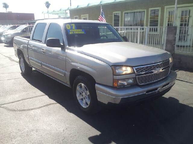 2007 CHEVROLET SILVERADO 1500 CLASSIC LS2 4DR CREW CAB 58 FT SB silver clean 2-stage unlocking