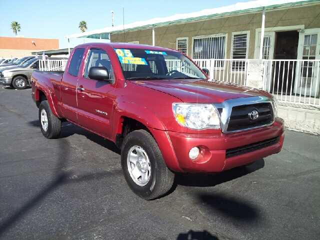 2005 TOYOTA TACOMA ACCESS CAB SE red clean 175938 miles VIN 5TEUU42NX5Z129781