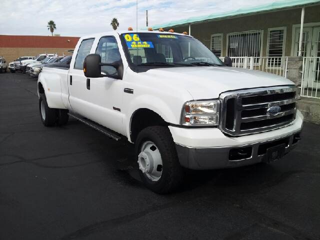 2006 FORD F-350 XLT white clean 117165 miles VIN 1FTWW33P56ED17657
