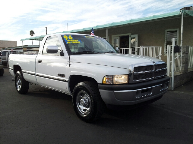2002 DODGE RAM 2500 SLT HURT white clean 241000 miles VIN 1B7KC26C2TJ186006
