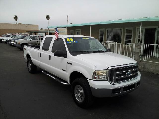 2006 FORD F-250 XLT white clean 181000 miles VIN FTSW21P16EA97672