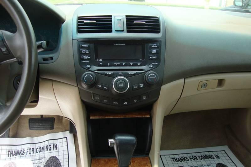 2004 Honda Accord EX V-6 4dr Sedan - Chester VA