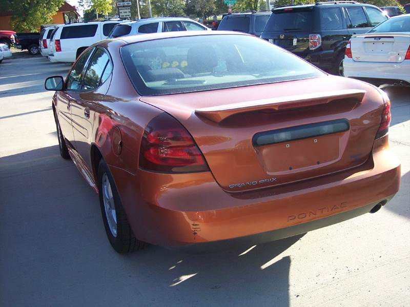 Sedan for sale in mason city ia for Star motors iowa city