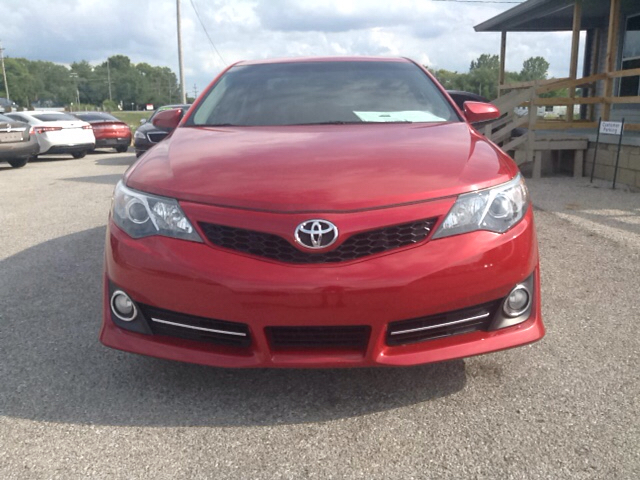 2013 Toyota Camry SE 4dr Sedan - Greenwood IN