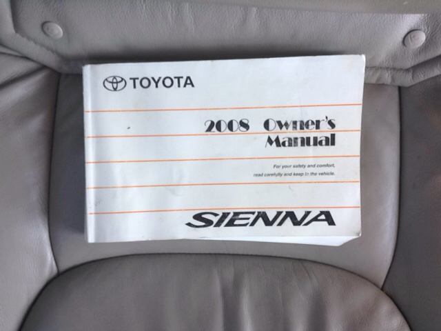 2008 Toyota Sienna XLE 4dr Mini-Van - Greenwood IN