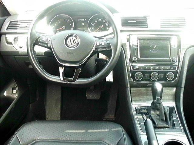 2016 Volkswagen Passat 1.8T SE PZEV 4dr Sedan - Greenwood IN