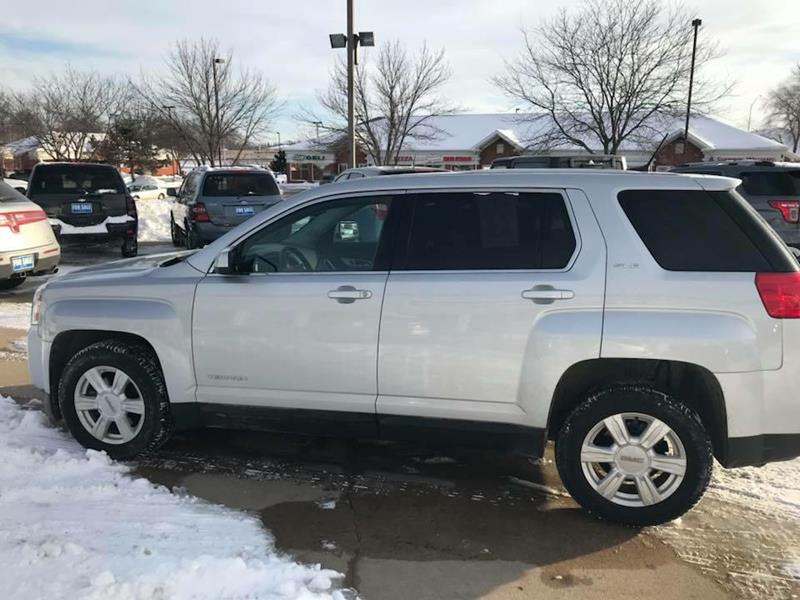 Best used suvs for sale in cedar rapids ia for Cassill motors used cars