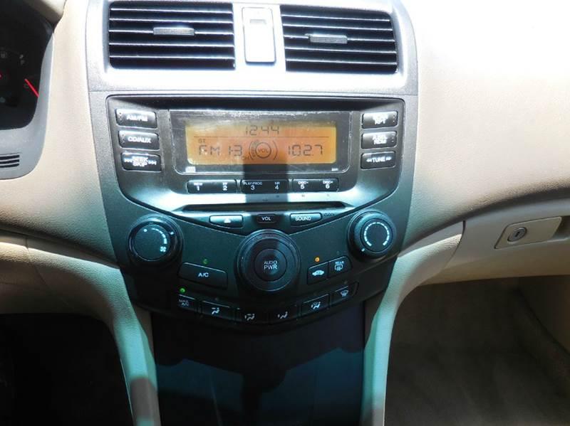 2005 Honda Accord DX 4dr Sedan - Delray Beach FL