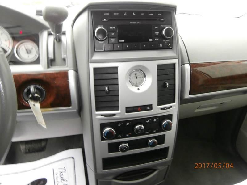 2010 Chrysler Town and Country Touring 4dr Mini-Van - Medina OH