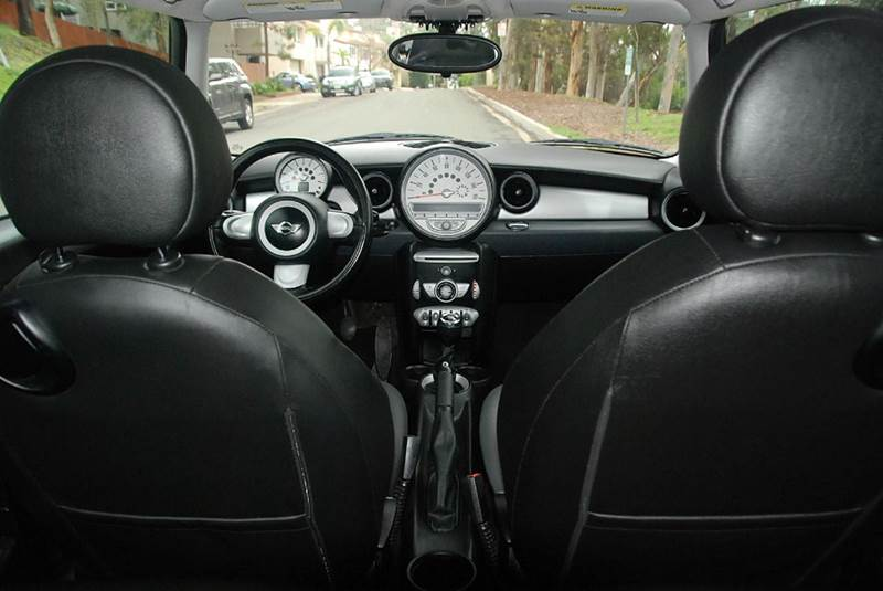 2009 MINI Cooper Base 2dr Hatchback - San Diego CA