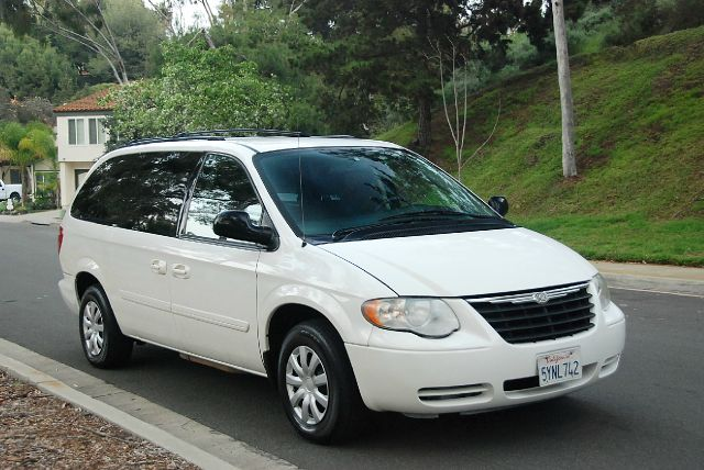 2007 chrysler town and country lx 4dr ext minivan in san diego ca new generation autos. Black Bedroom Furniture Sets. Home Design Ideas