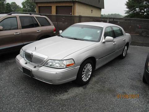 2004 Lincoln Town Car for sale in Laurel, DE