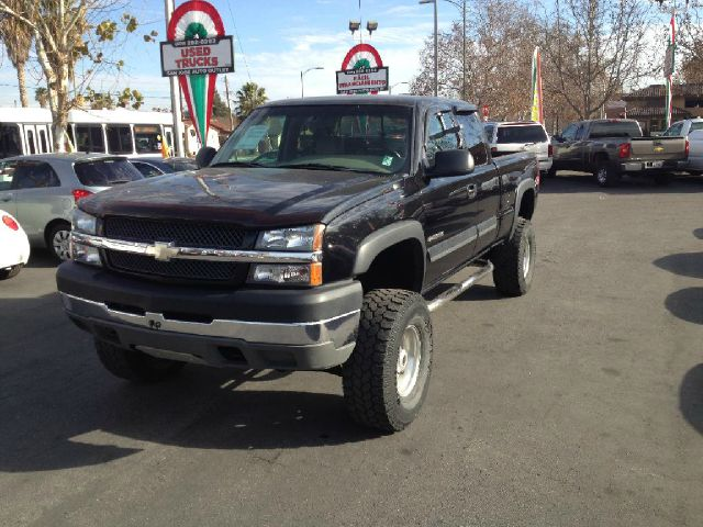2003 CHEVROLET SILVERADO 2500 LS EXT CAB SHORT BED 4WD black dont forget your online car lo