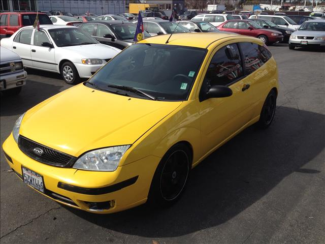 2007 FORD FOCUS ZX3 S yellow this is an internet offer so please ask for the internet sales team