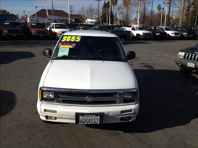 1995 CHEVROLET BLAZER 2-DOOR 2WD white dont forget your online car loan application go