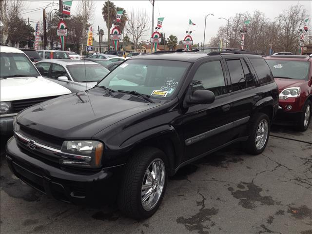 2003 CHEVROLET TRAILBLAZER LS 2WD black this is an internet offer so please ask for the internet