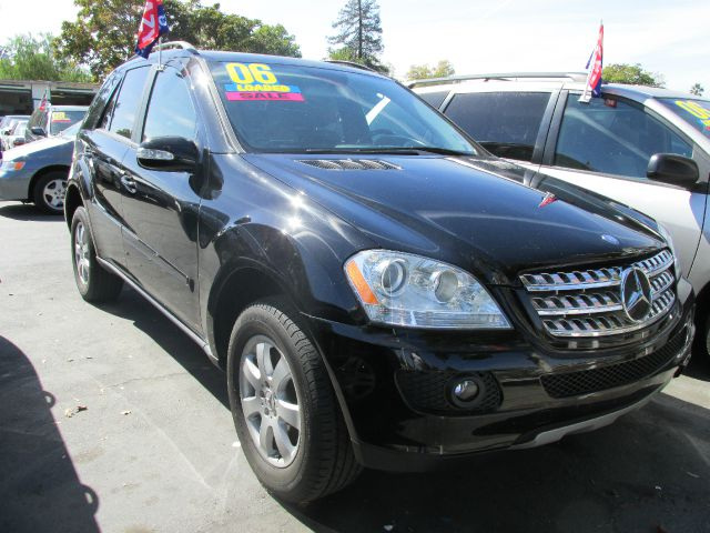 2006 MERCEDES-BENZ M-CLASS ML350 black do not forget your on line car loan application g