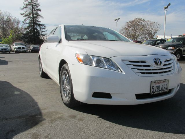2007 TOYOTA CAMRY LE 5-SPD AT white 2007 toyota camry le 4 cyl 24 liter  automatic abs4-wheel