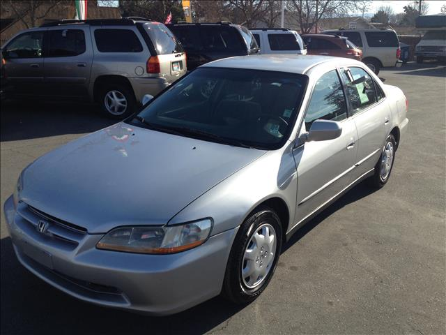 2000 HONDA ACCORD LX SEDAN WITH ABS silver this is an internet offer so please ask for the intern