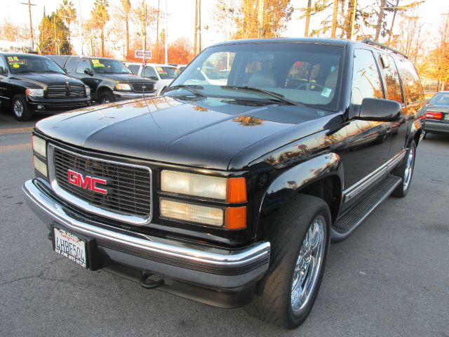 1999 GMC SUBURBAN black 3rd row seat4 door4 wheel driveair conditioningalarmautomatic transmi