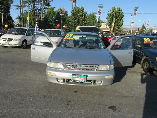 1997 NISSAN ALTIMA GXE blue air conditioningalloy wheelsanti-brake system non-abs  4-wheel abs