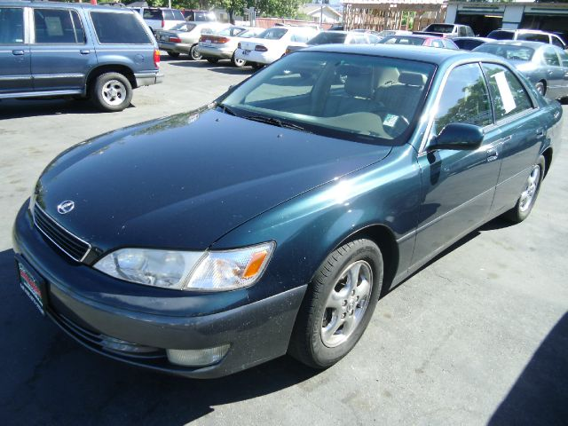 1998 LEXUS ES 300 green do not forget your on line car loan application go to   wwwsja