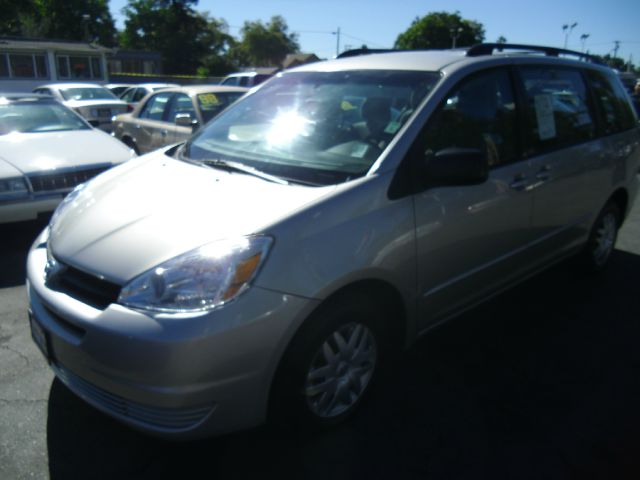 2005 TOYOTA SIENNA LE silver do not forget your on line car loan application go to   ww