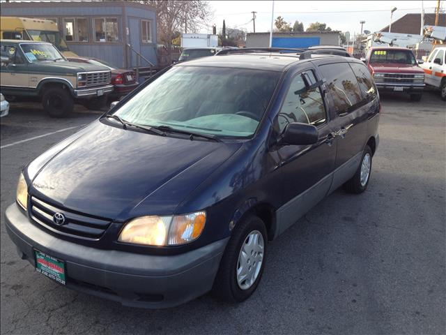 2001 TOYOTA SIENNA LE blue this is an internet offer so please ask for the internet sales team fo