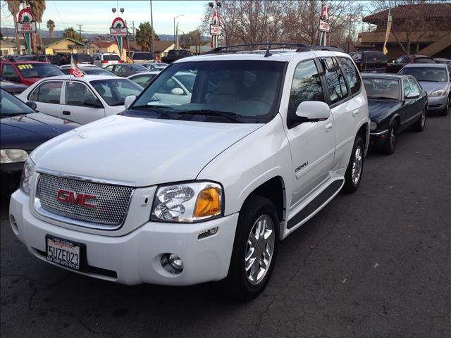 2006 GMC ENVOY DENALI 2WD white this is an internet offer so please ask for the internet sales te