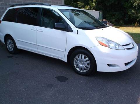 2007 Toyota Sienna for sale in East Granby, CT