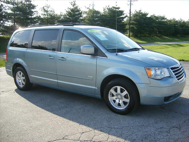 2008 Chrysler Town and Country for sale in Georgetown OH